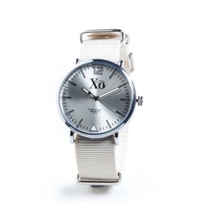 XO-kello valkoinen